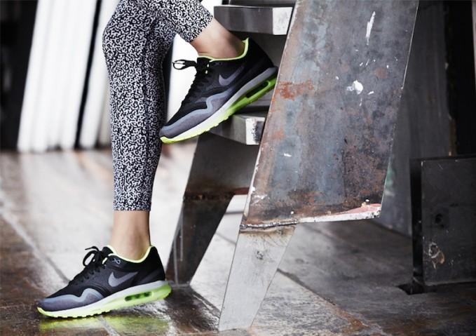 Nike Women's Air Max Lunar1