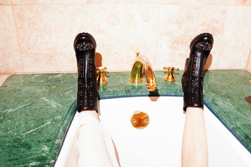 Emma Roberts' Style Diary feat. Jimmy Choo Fall Winter 2014 Collection_9