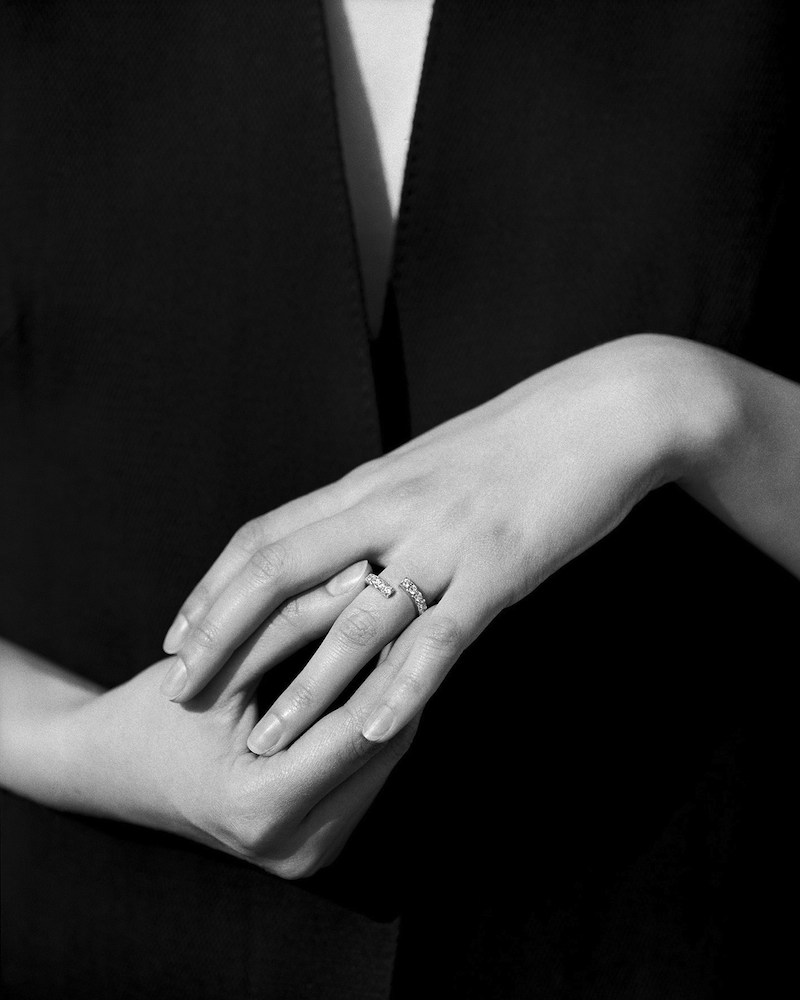 Maison Martin Margiela 'Héritage' Fine 'Alliance' Ring in Diamond pavé