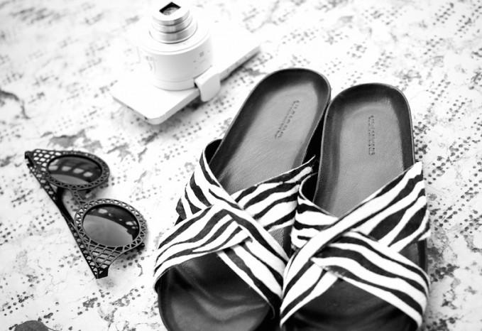 Vagabond Erie Zebra Print Woven Sliders