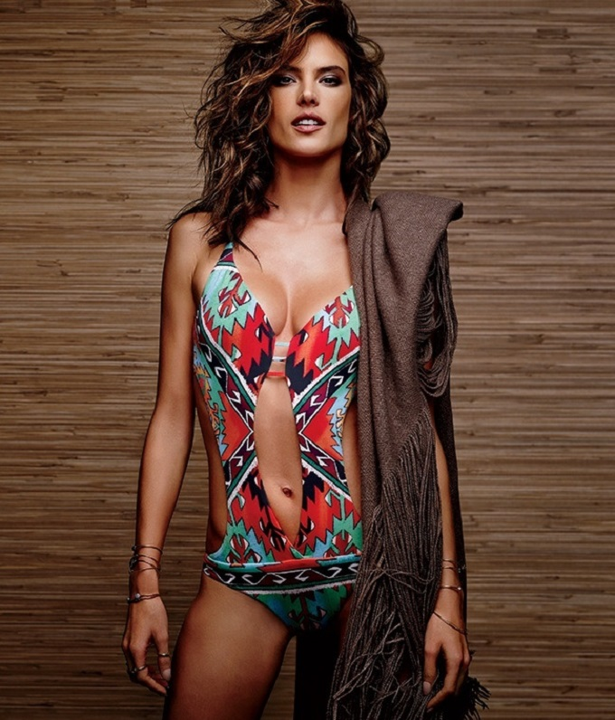 Alessandra Ambrosio Swimwear Cover Shooting Lookbook_3