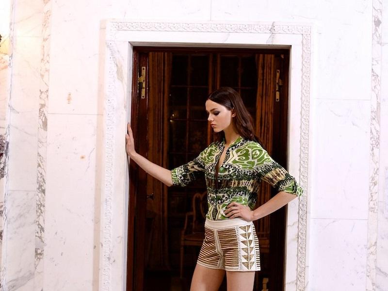 Alice + Olivia Beaded Back-Zip Leather Shorts