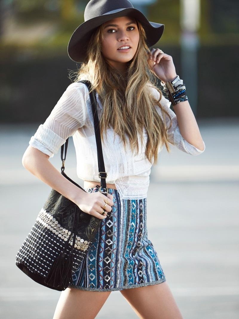 Daily Fashion Chrissy Teigen's street style
