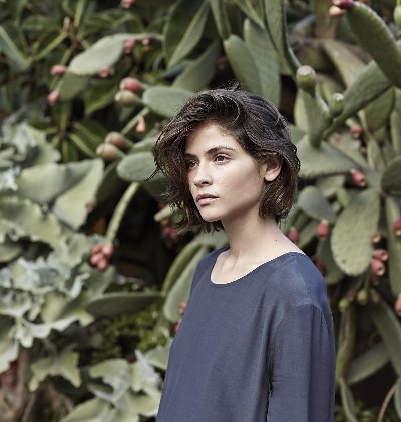 Mango PREMIUM - Asymmetric hem blouse