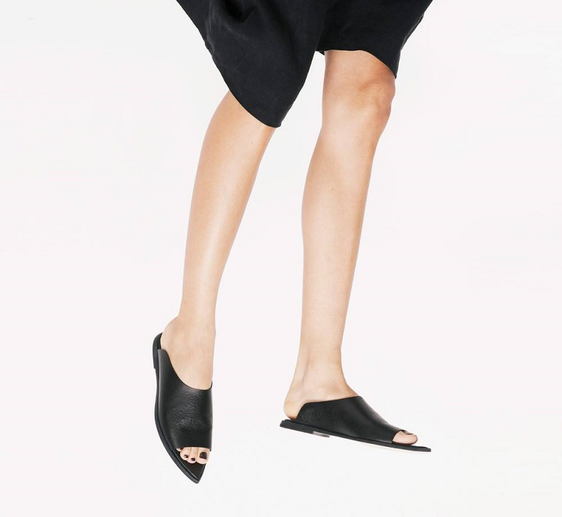 Wal & Pai Olympic Sandal in Black