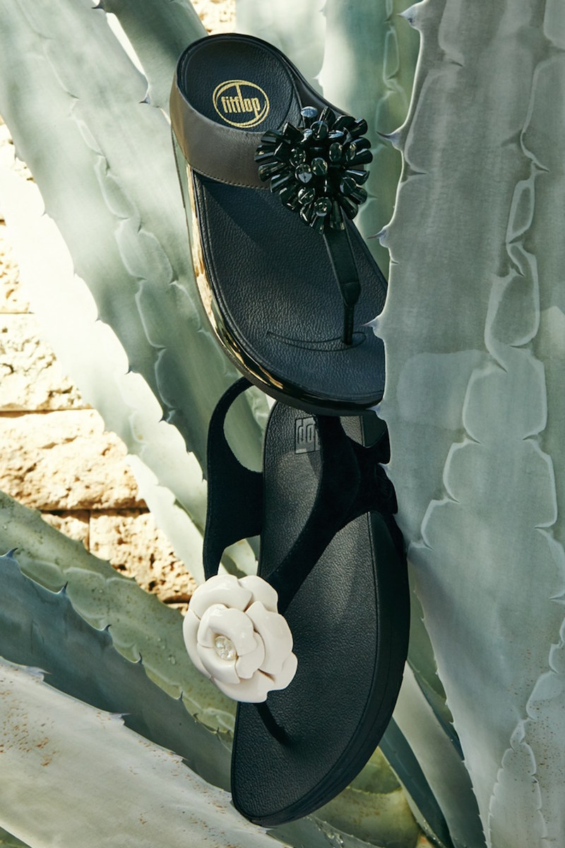 FitFlop Bloom Suede Thong Sandal
