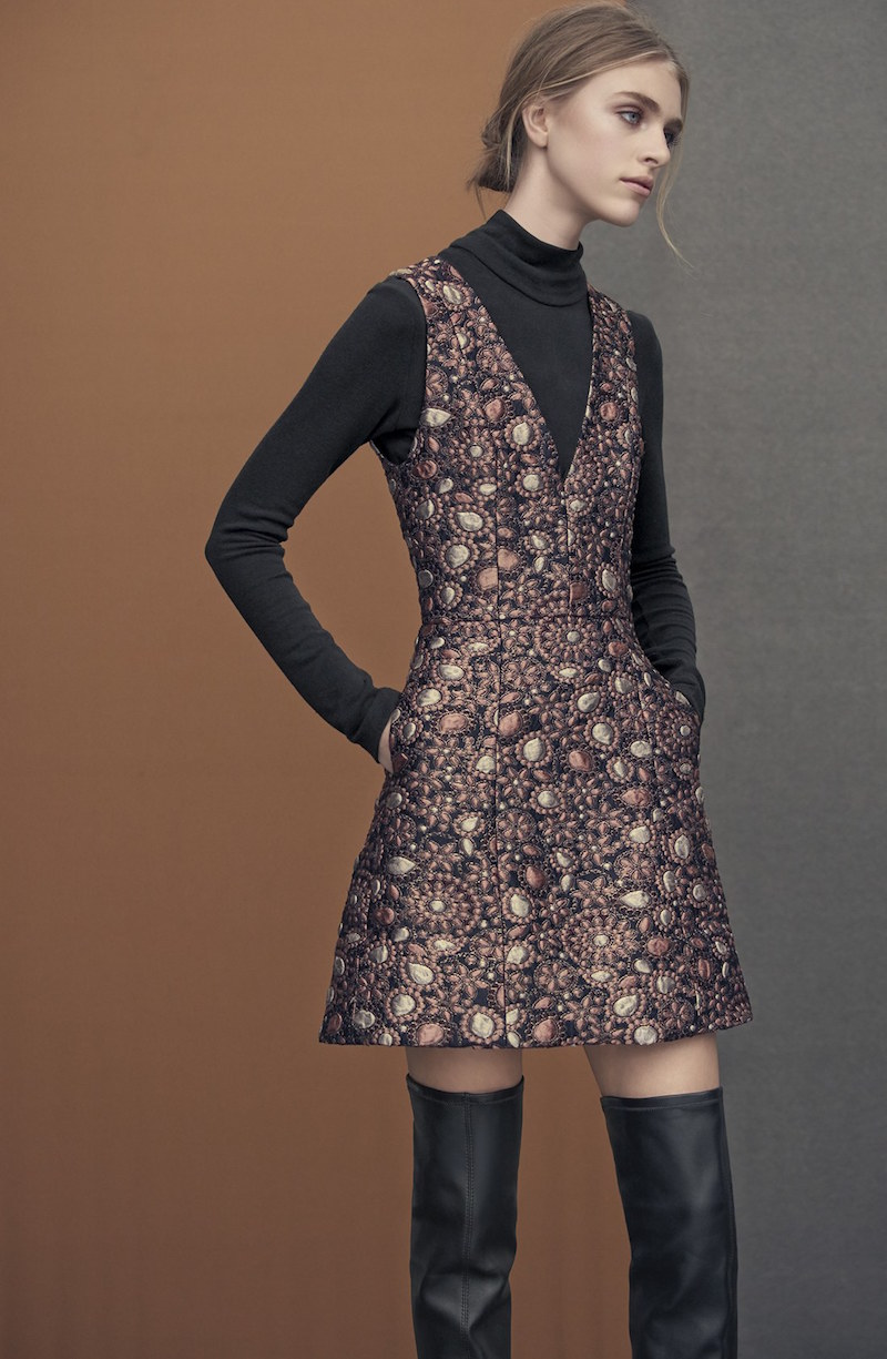 Alice + Olivia Pacey V-Neck Metallic Brocade Dress