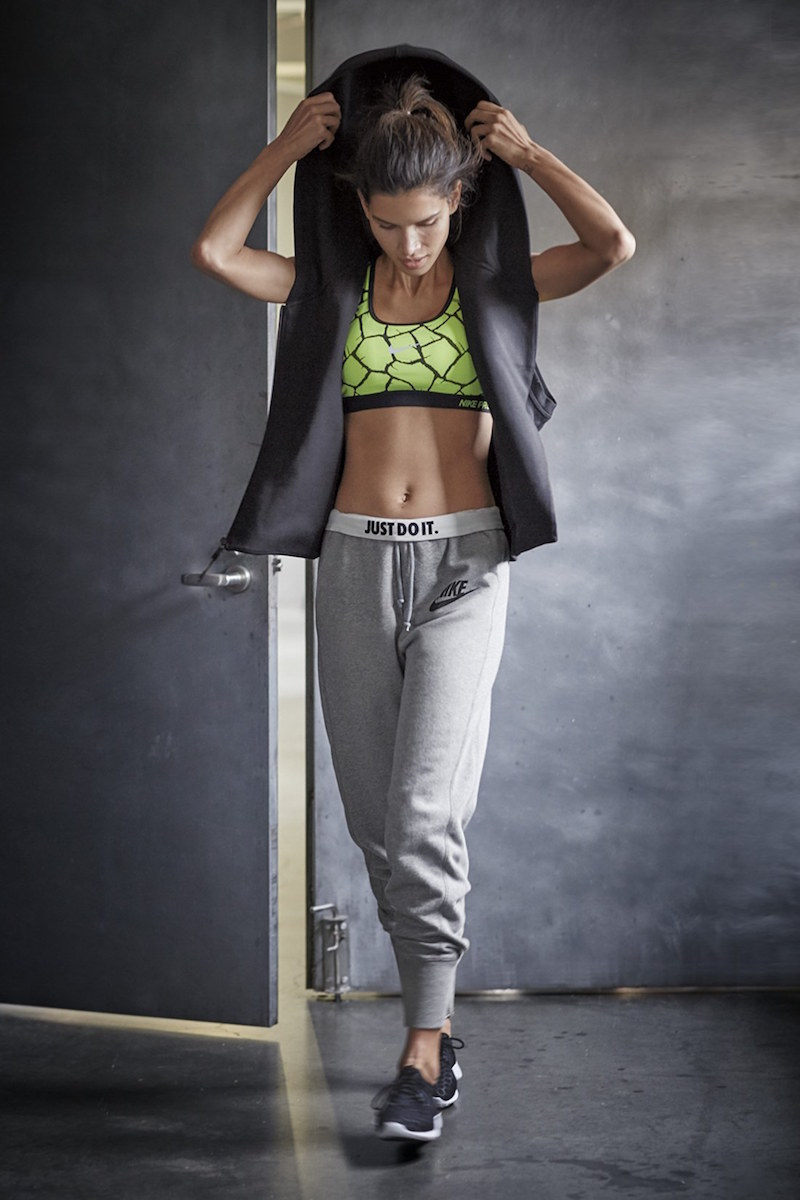 Nike Rally Jogger Sweatpants