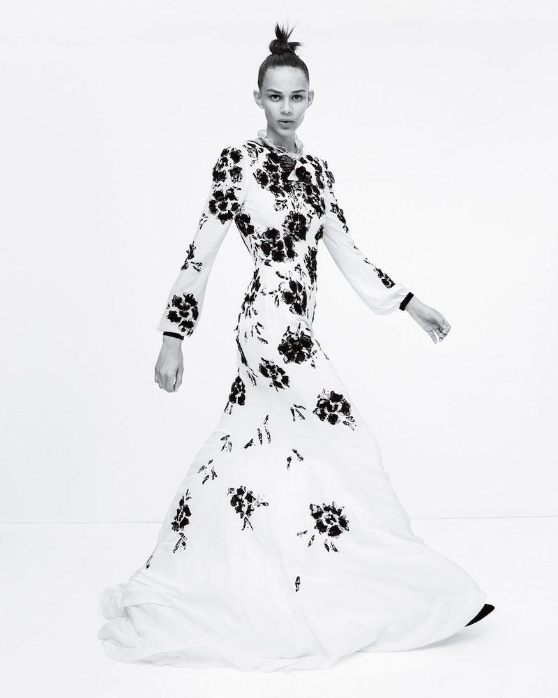 Oscar de la Renta Long-Sleeve Floral-Embellished Gown