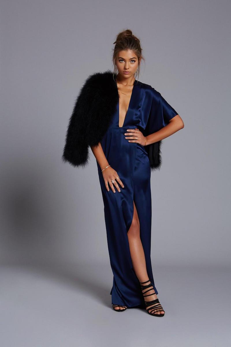 Mason by Michelle Mason Plunge Neck Kimono Gown
