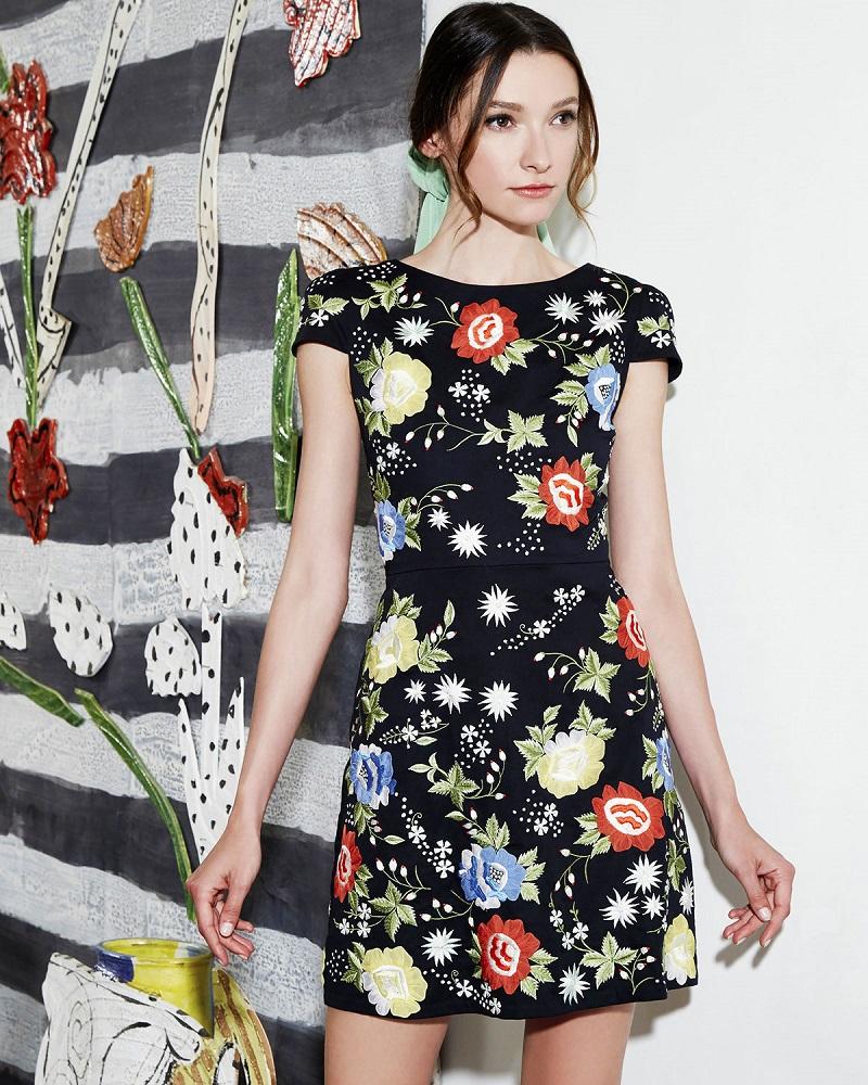 Alice + Olivia Ellen Short-Sleeve Embroidered Dress