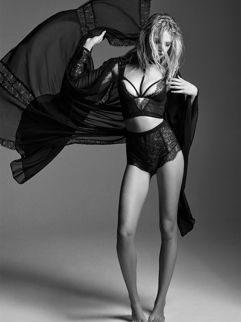 Love, Courtney by Nasty Gal Heaven Tonight Sheer Kimono