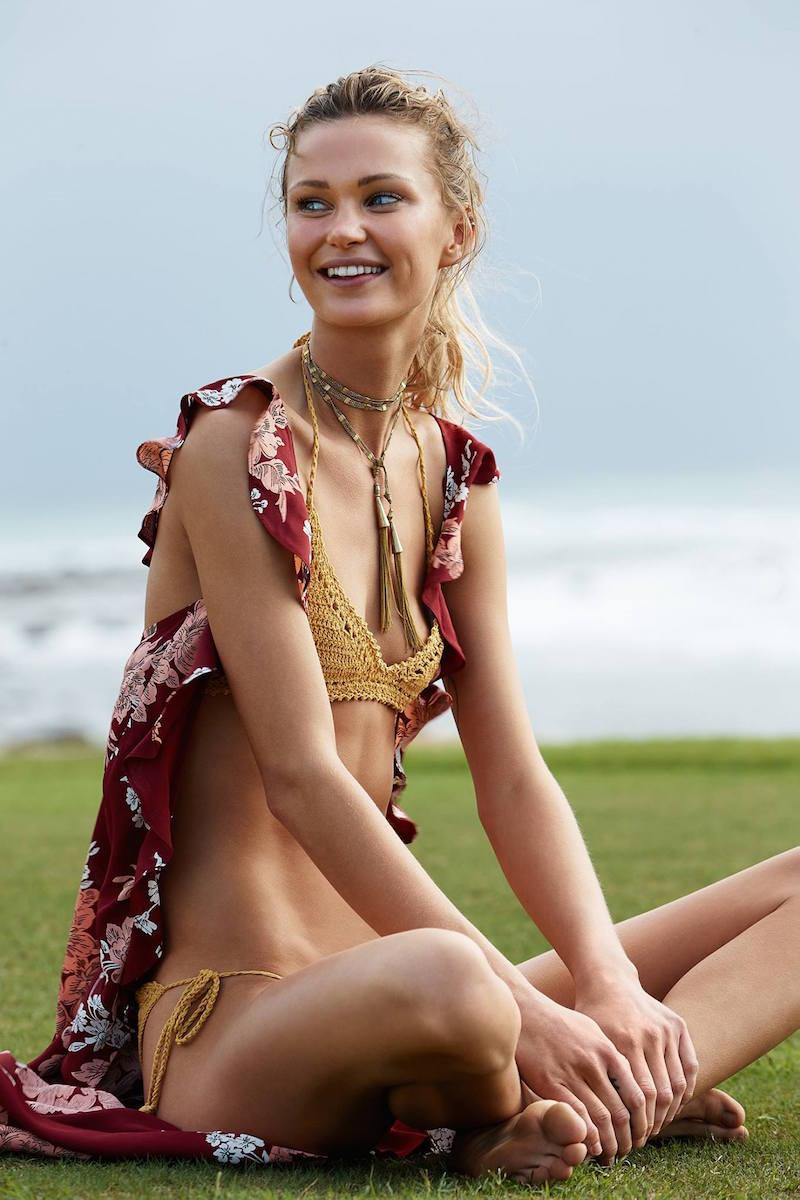 SHE MADE ME 70's Halter Bikini Top