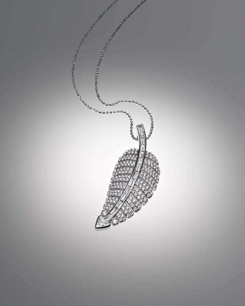 Jennifer Meyer Anniversary Leaf Pendant Necklace
