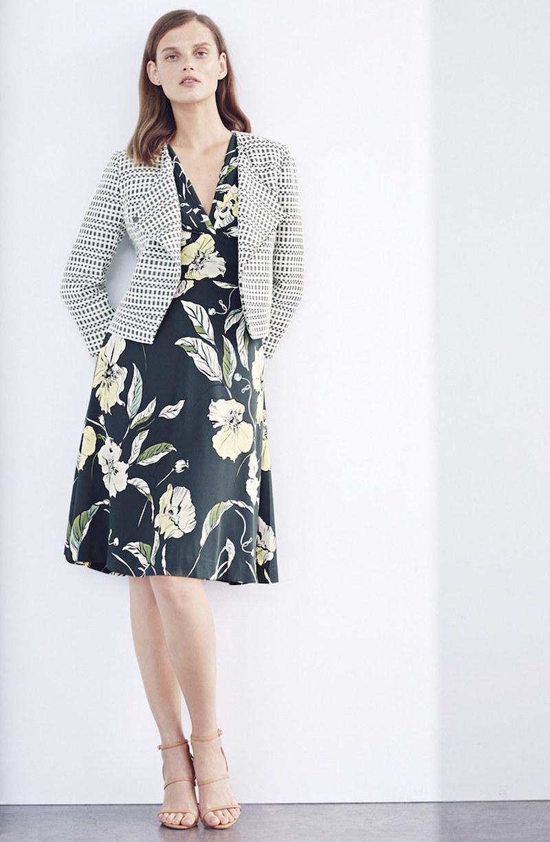 Classiques Entier Asymmetrical Crop Tweed Jacket