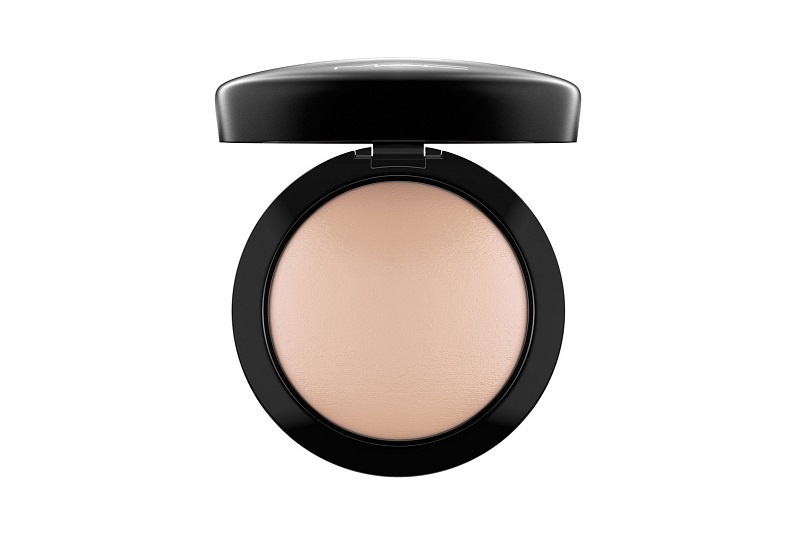 M·A·C Mineralize Skinfinish Natural