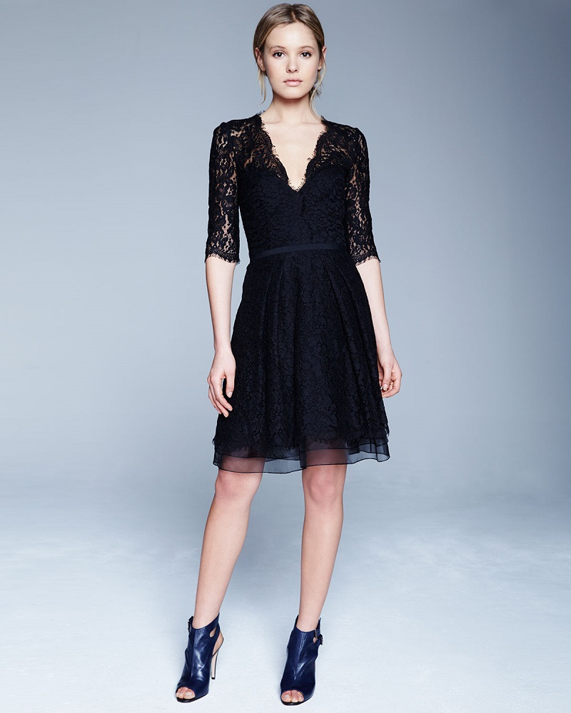 Carolina Herrera Half-Sleeve V-Neck Lace Cocktail Dress