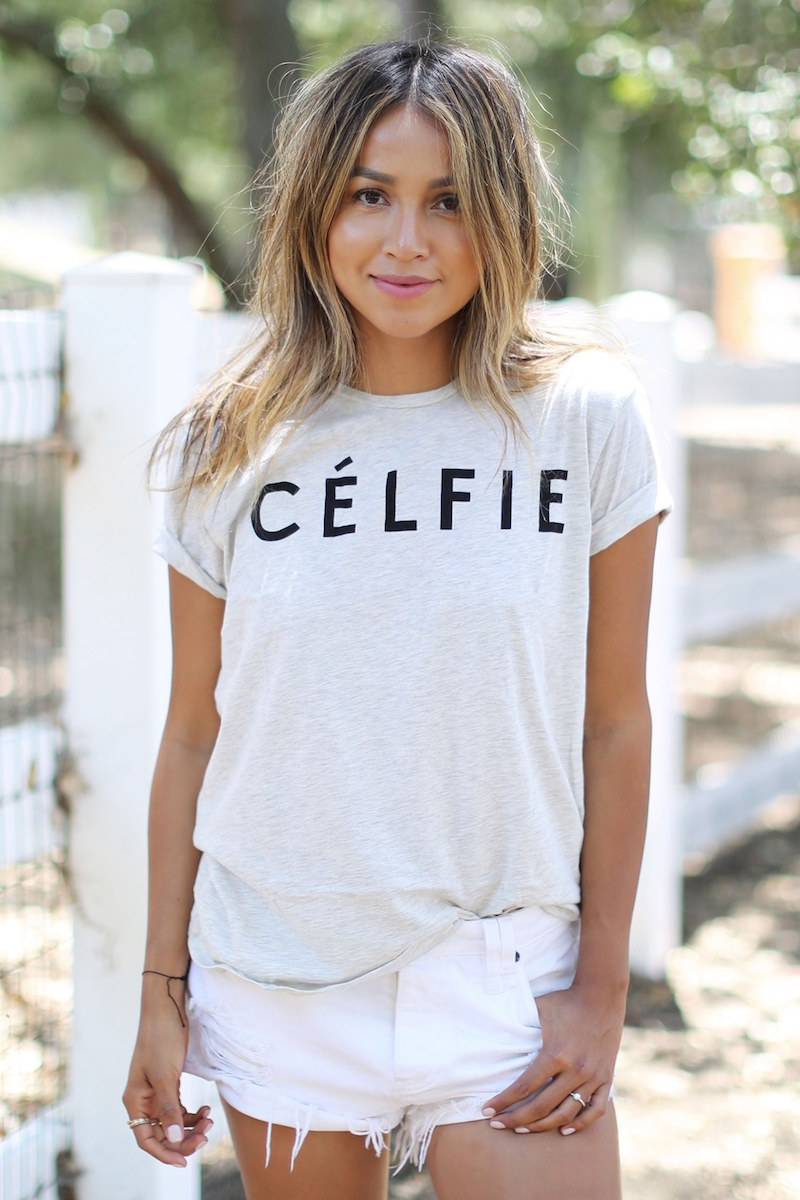 SINCERELY JULES Célfie Graphic Tee