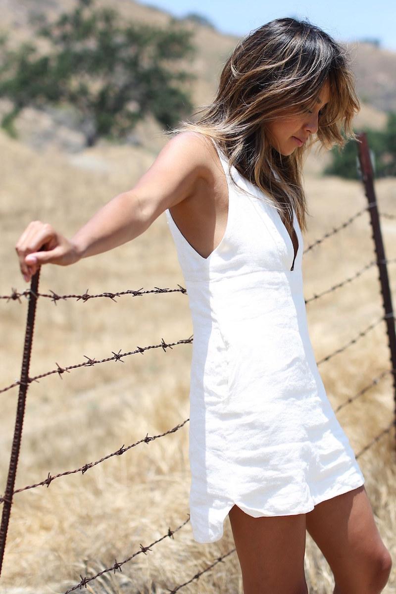 SINCERELY JULES Drew Plunge Neck Linen Minidress