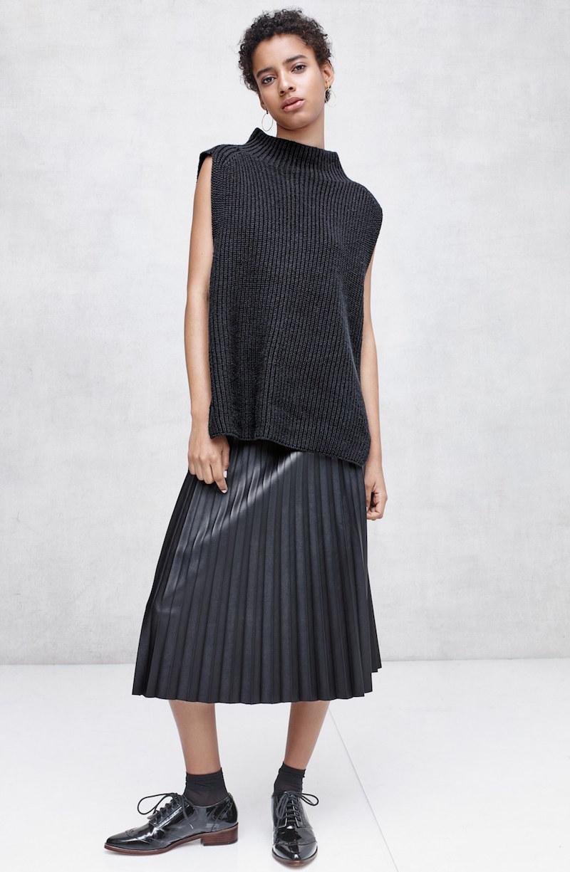 Trouvé Funnel Neck Sleeveless Sweater