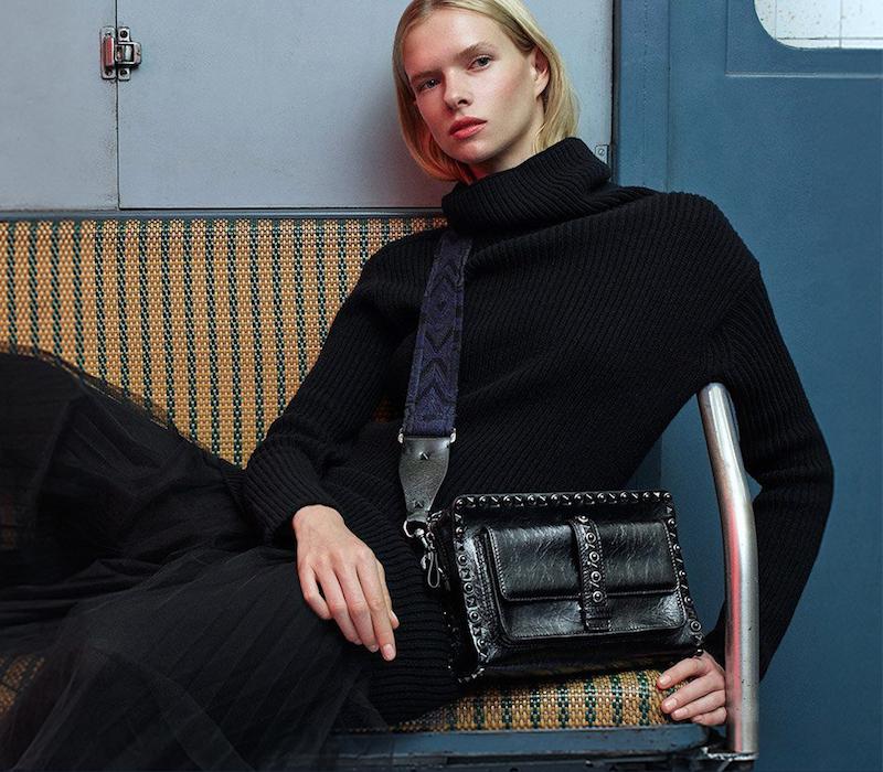 Valentino Guitar-Strap Rockstud Leather Shoulder Bag