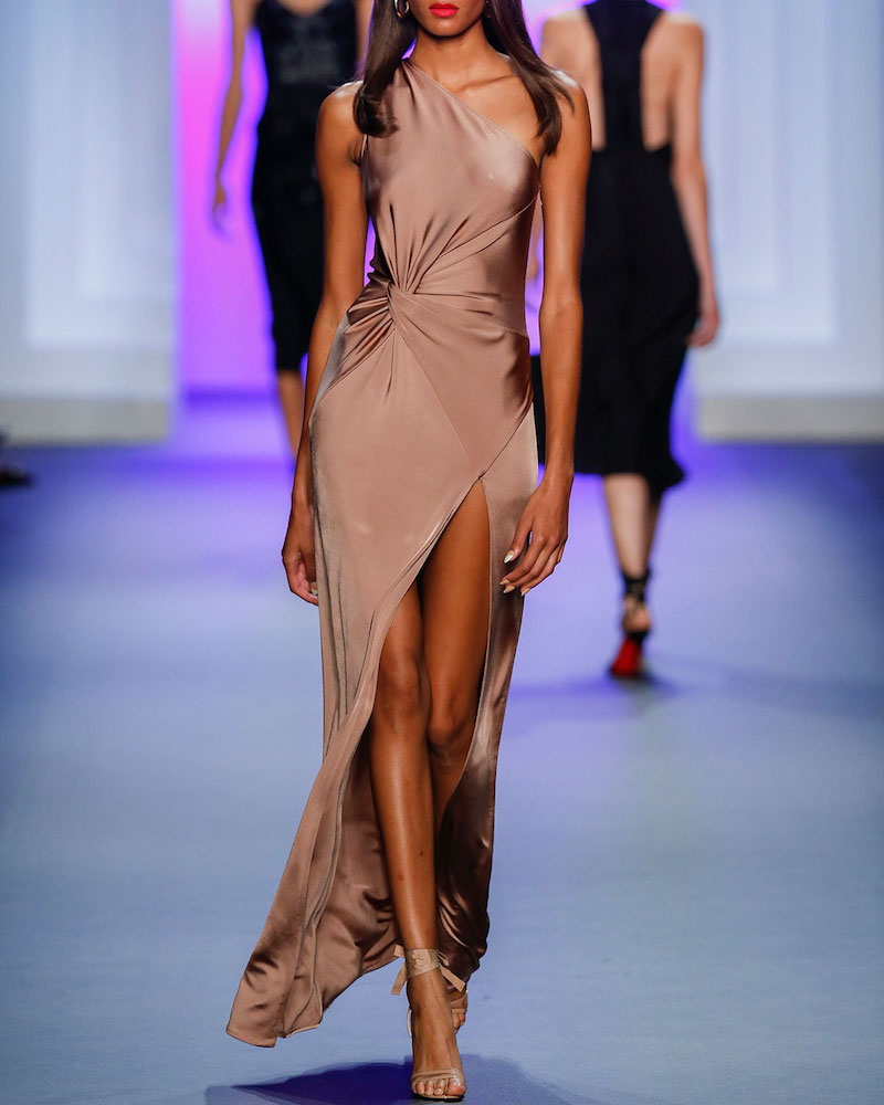 Cushnie Et Ochs One-Shoulder Twisted-Waist Gown