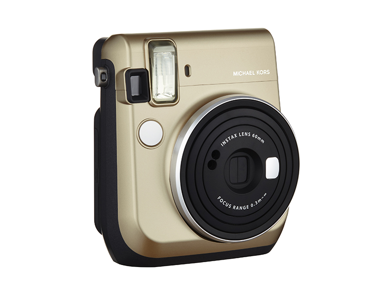 Gift guide michael kors x fujifilm instax mini 70 nawo for Housse instax mini 70