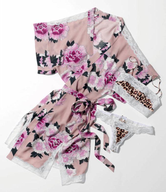 Fleur du Mal Crêpe De Chine Kimono Robe