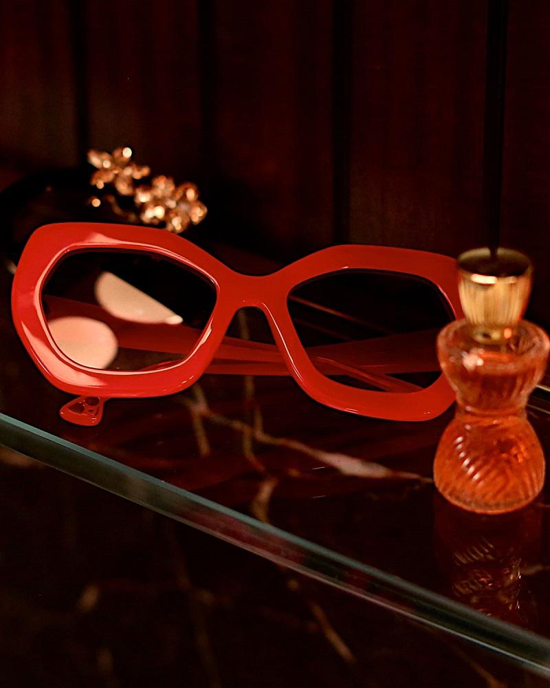 Alice + Olivia Dinah Chunky Geometric Sunglasses