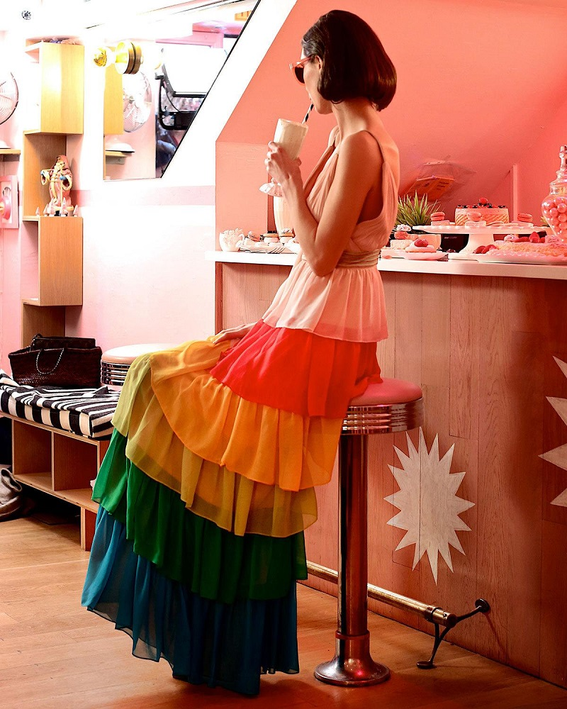 Alice + Olivia Luba Sleeveless Tiered Chiffon Gown