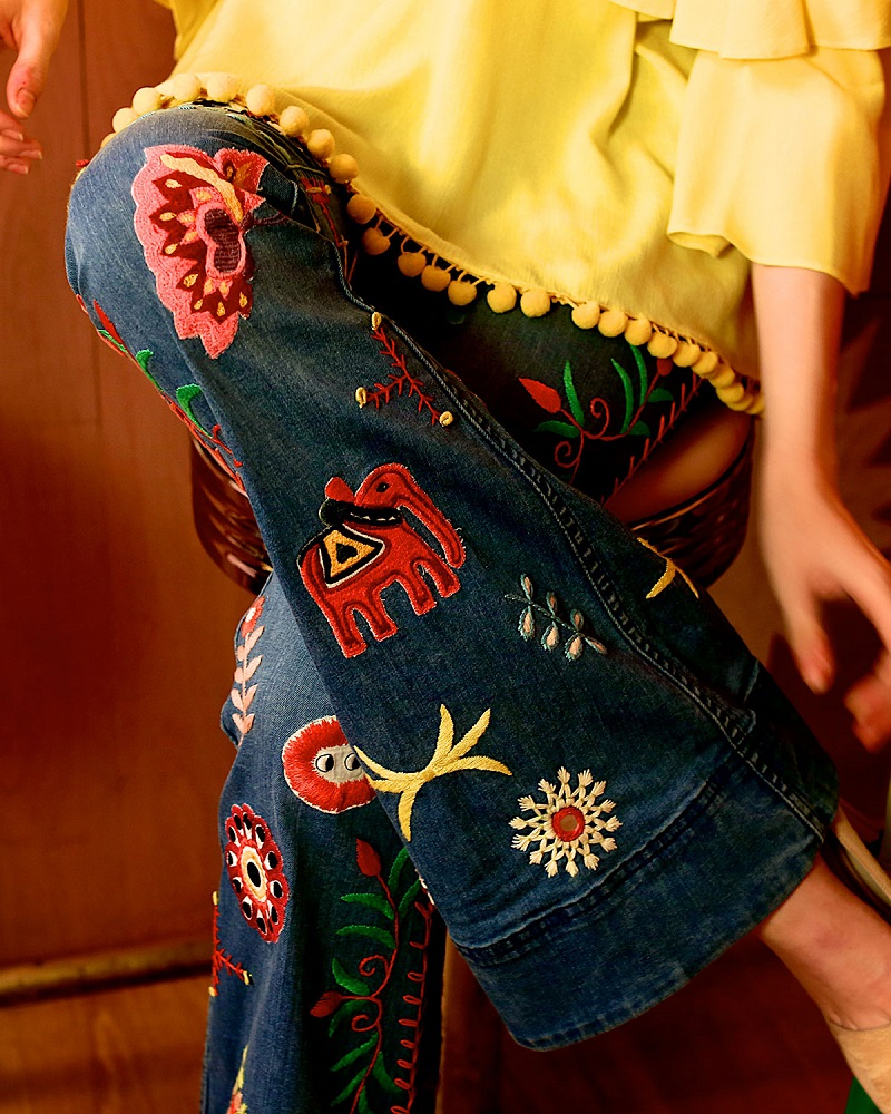 Alice + Olivia Ryley Embroidered Low-Rise Bell-Bottom Jeans