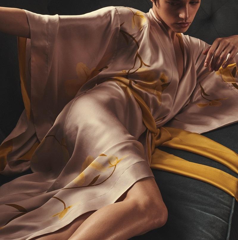 Carine Gilson Flower-Print Silk Long Kimono Robe