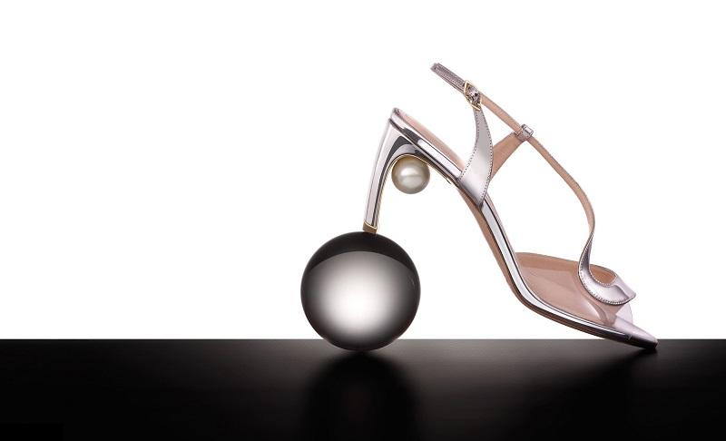 Nicholas Kirkwood Maeva pearl-embellished leather sandals