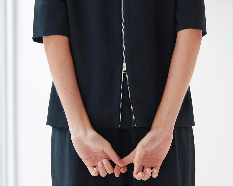Everlane The Japanese GoWeave Back-Zip Tee-