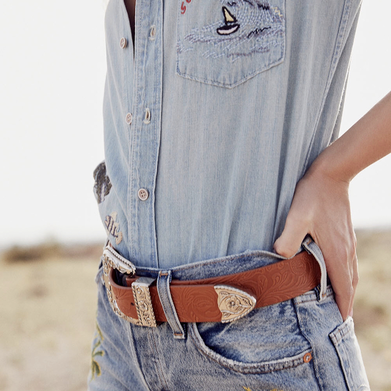 Levi's Palm Embroidered Short