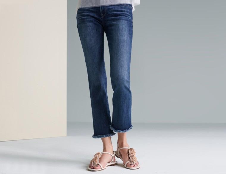Stuart Weitzman Jabow T-Strap Sandal