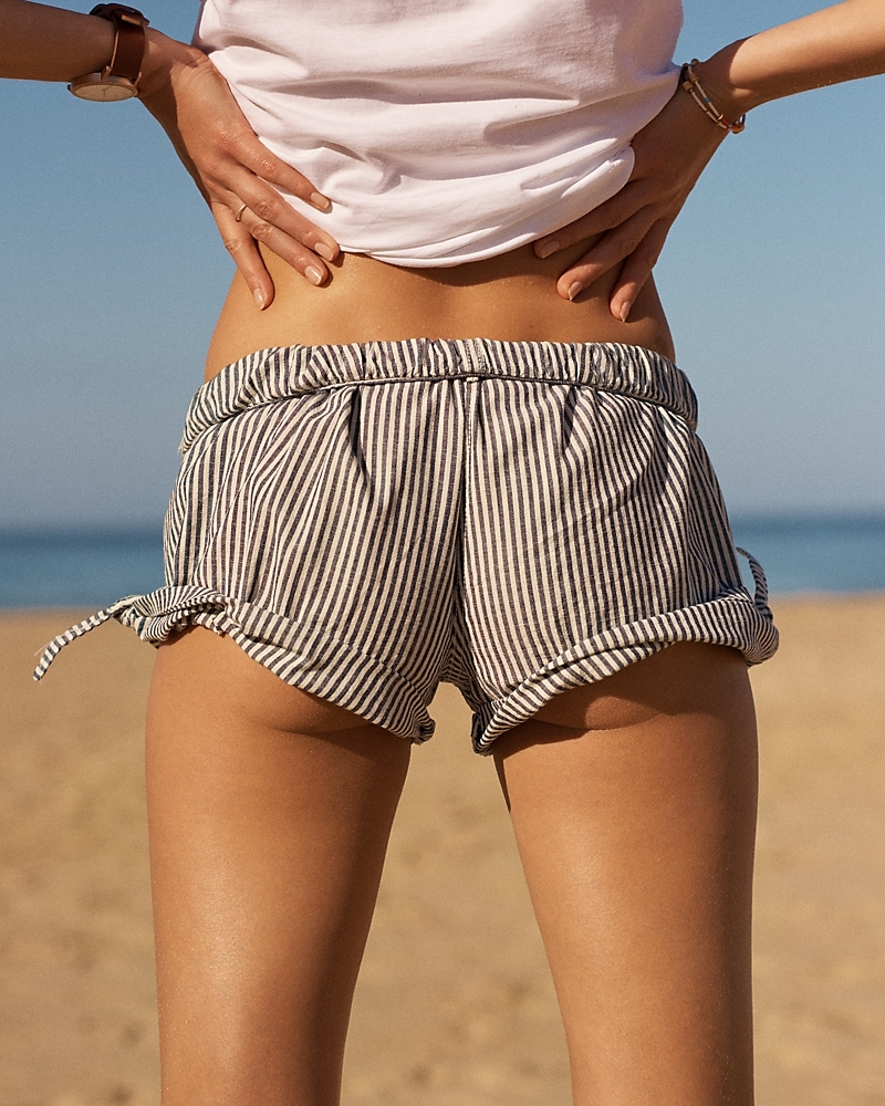 Madewell Pull-On Side-Tie Shorts In Chambray Stripe