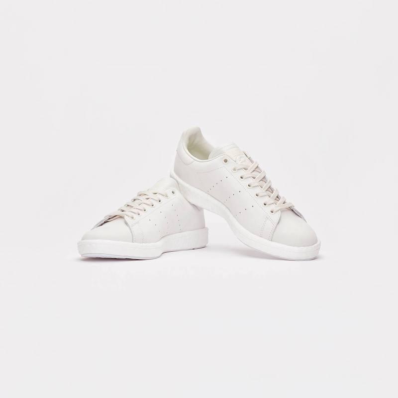 adidas Originals Stan Smith Boost Shades of White v2 1
