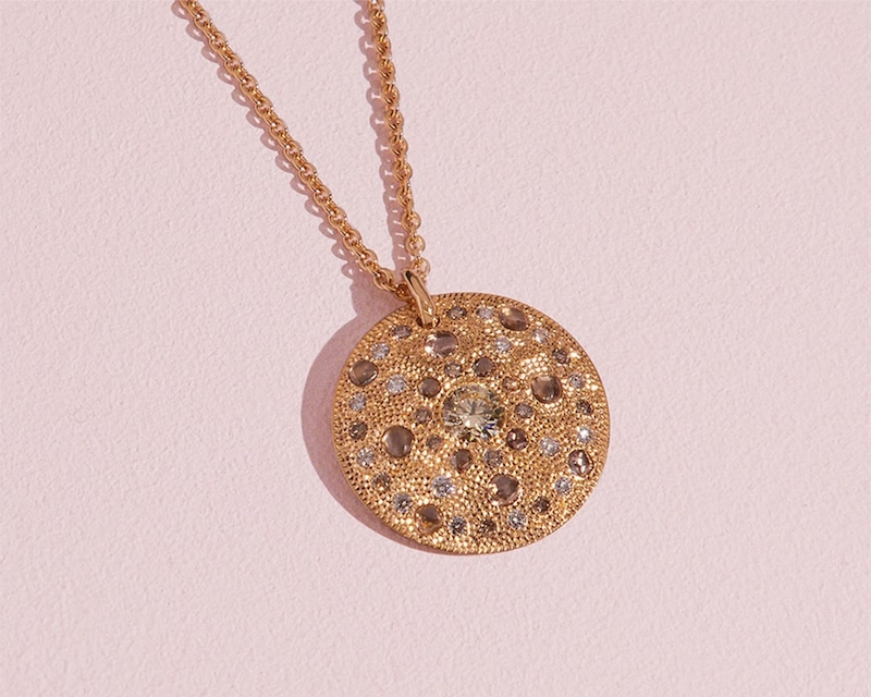 De Beers Talisman 18ct Yellow-Gold and Diamond Large Medallion
