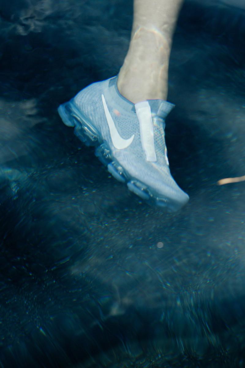 Comme des Garçons White Nike Edition VaporMax Sneakers