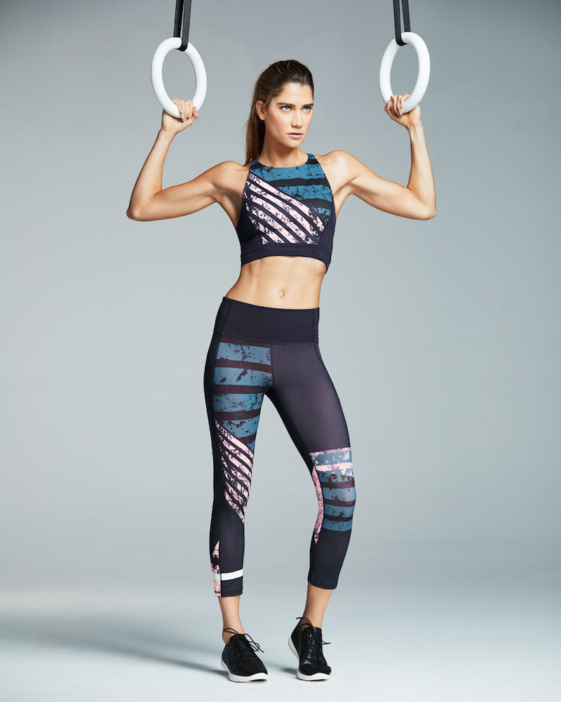 Under Armour Mirror Printed Crop-Top Performance Sports Bra