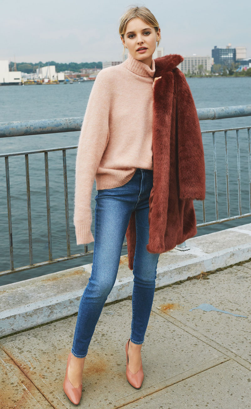 FRAME Slouchy Turtleneck Sweater