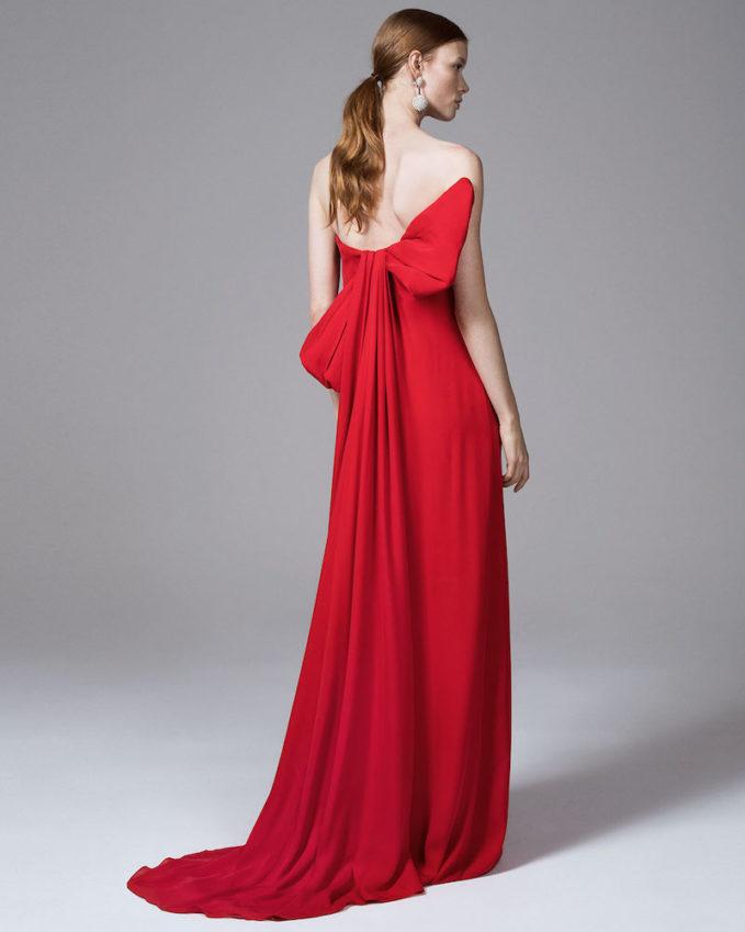 Oscar de la Renta Strapless Silk Crepe Column Gown