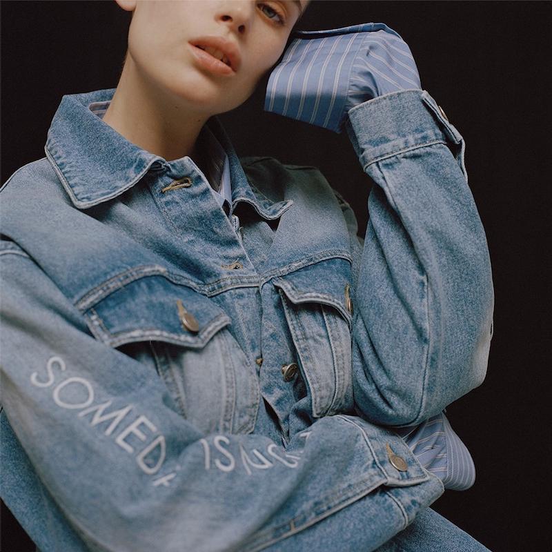 SJYP Embroidered-Sleeve Denim Jacket