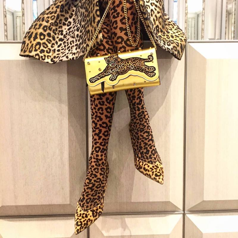 Gucci Broadway Tiger-Embellished Leather Clutch Bag