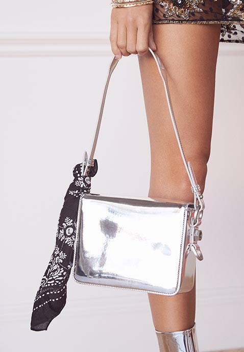 OFF-WHITE Flap Bag
