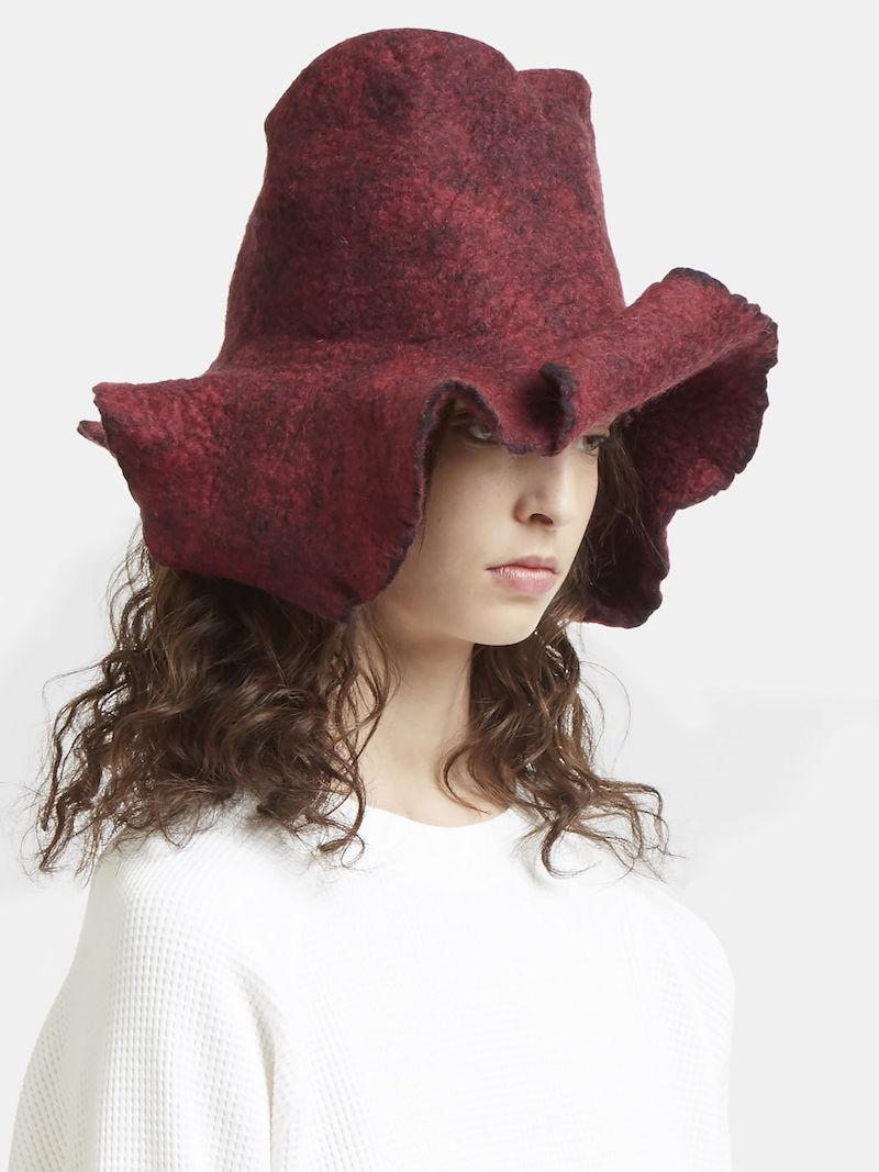 Kreuzzz Love Hat in Red
