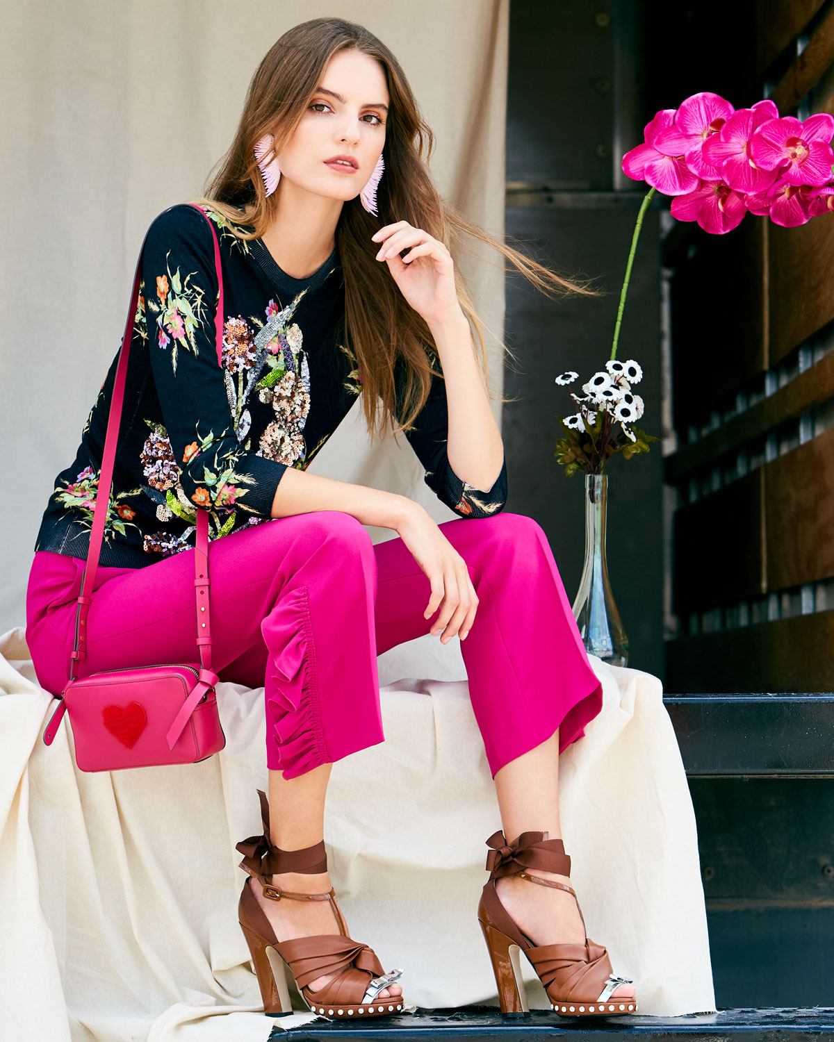 No. 21 Straight-Leg Ankle Pants with Side Ruffles