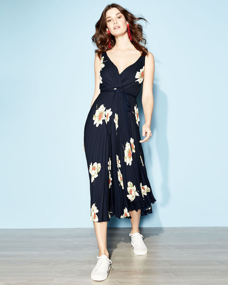 Vince Gardenia Floral-Print Twist-Front Pleated Dress