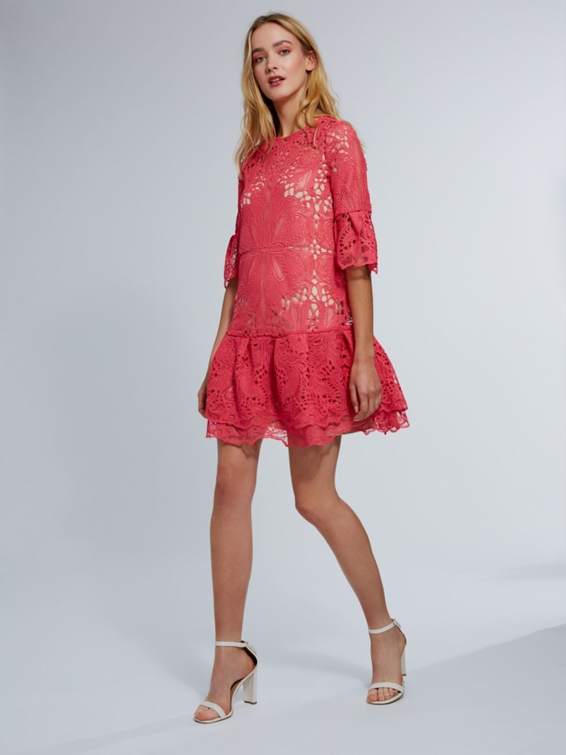 ML Monique Lhuillier Bell-Sleeve Lace Dress